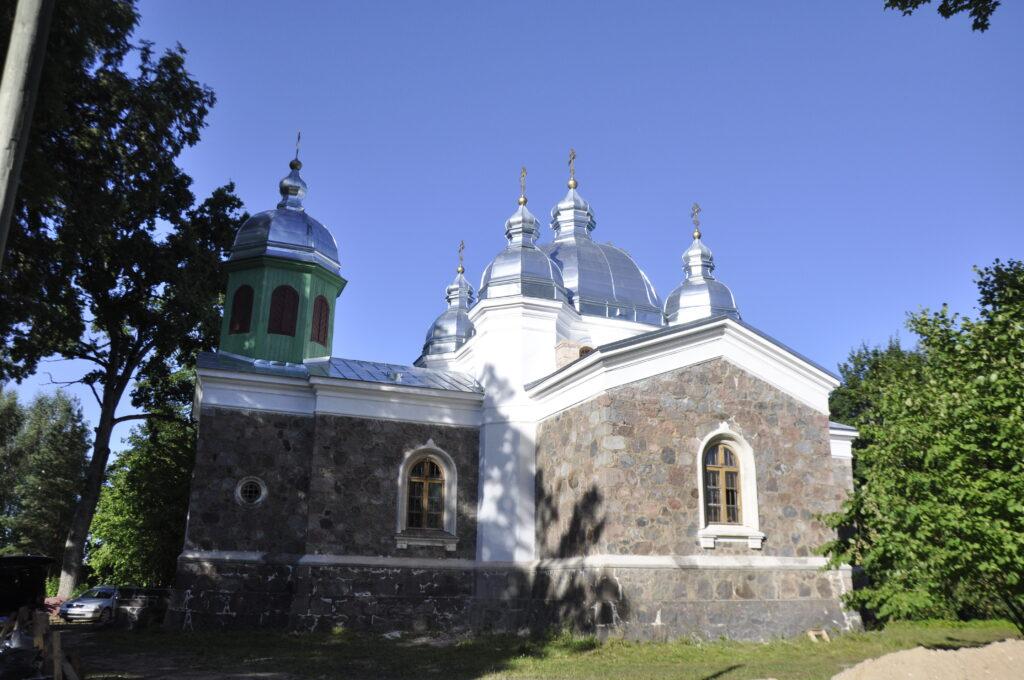Lalsi kirik 2020. aastal - kõik katuseosad on uuendatud